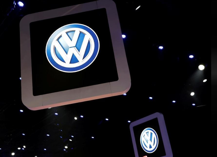 VW to improve production with Amazon cloud to network its factories